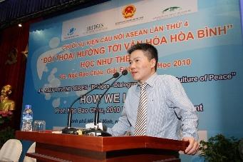 Đối thoại với Giáo sư Ngô Bảo Châu